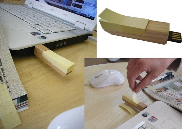 wooden usb with post-it note